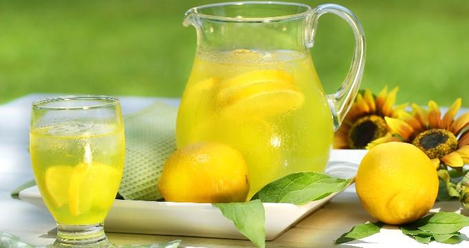 Suya Limon Atarak İçmeniz İçin 10 Neden