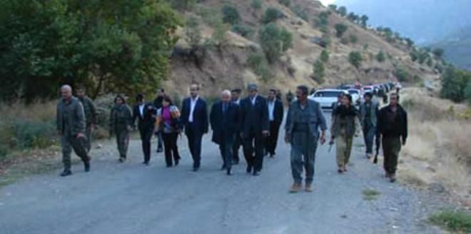 PKK'İle Tokalaşan 3 Vekile Soruşturma
