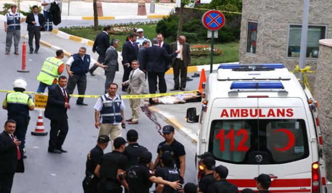 4 Saldırgandan 2'si Türk