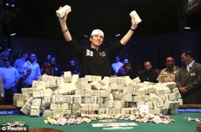 Pokerden 12 Milyon Dolar Kazandı