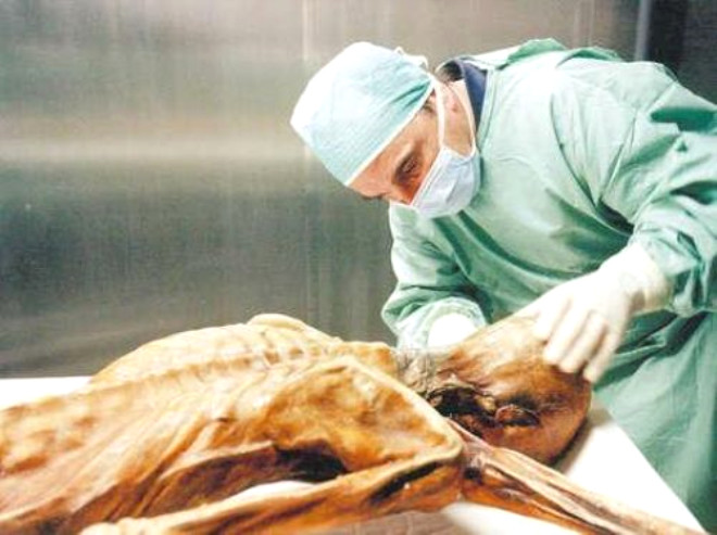 Korku Filmi Gibi Buz Adam Ötzi'nin Laneti