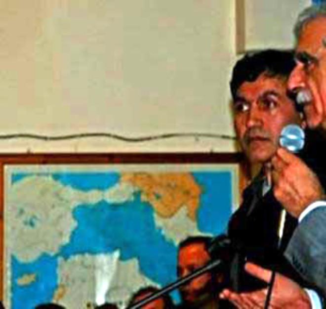 Kürdistan Haritası Önünde Konuştu