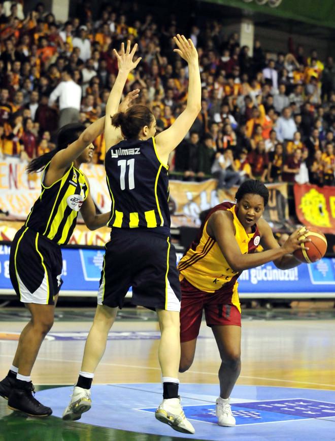 Fenerbahçe Bayanlar Finalde