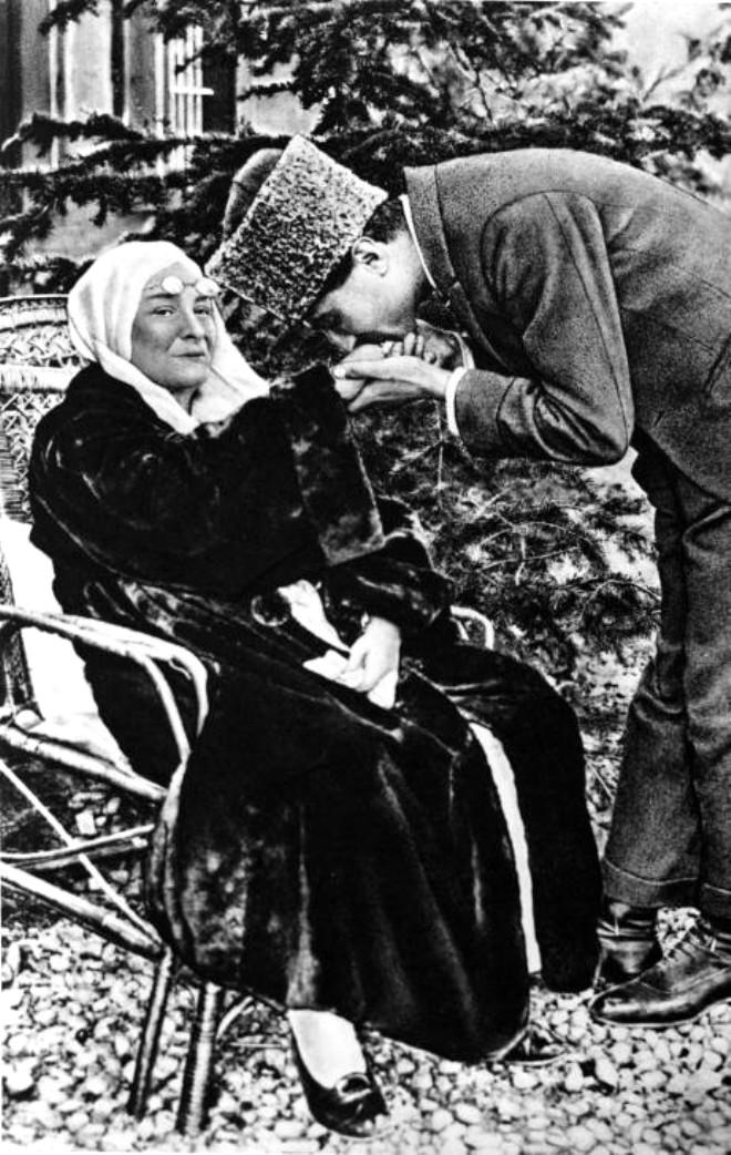 Tarih Yazan Liderlerin Anneleri