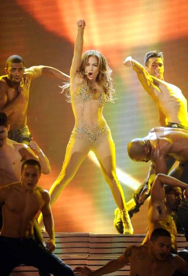 Jennifer Lopez'in Seksi Dansı