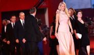 Galeri: Dünyanın En Güzel Giyinen 10 Kadını