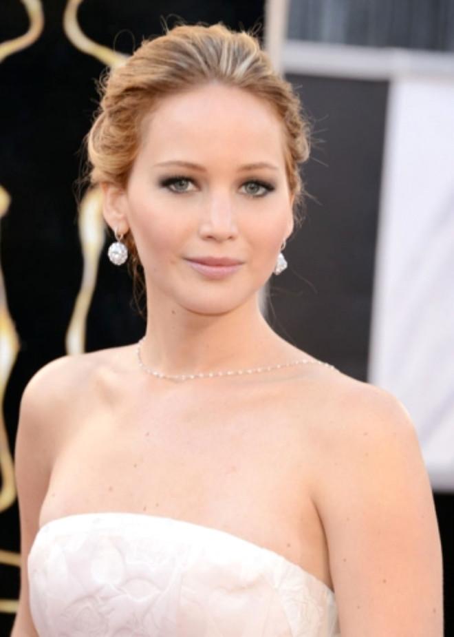 Oscar Töreni'nden Sonra Saçlarını Boyattı