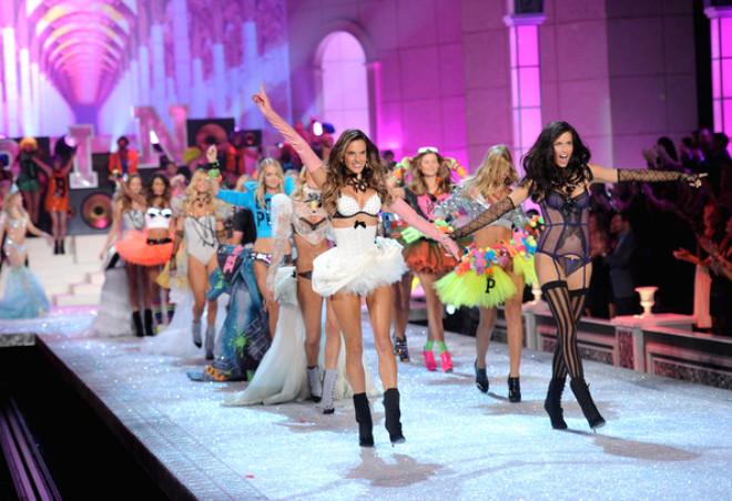 Victoria's Secret'ın En Seksi 10 Meleği!