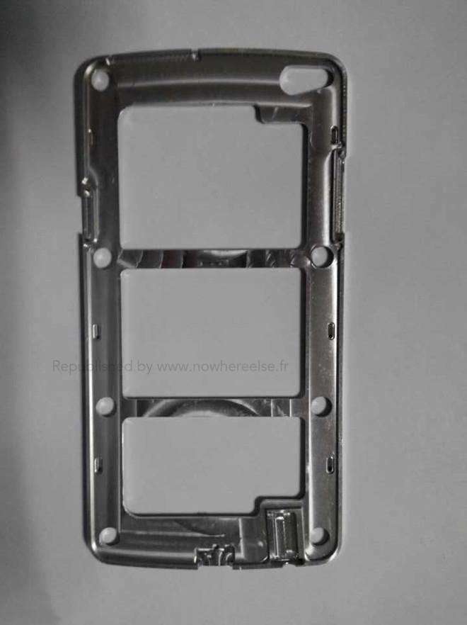 Galaxy S5'in Metalik Çerçevesi Ortaya Çıktı