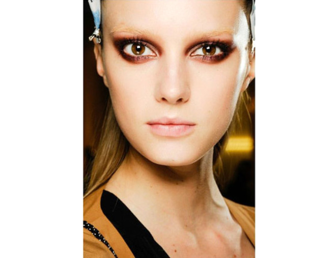 Yılbaşı İçin Göz Makyajı Önerisi