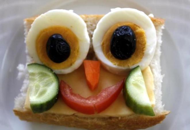 Çocuklar Neşeli Kahvaltıya Hayır Diyemeyecek