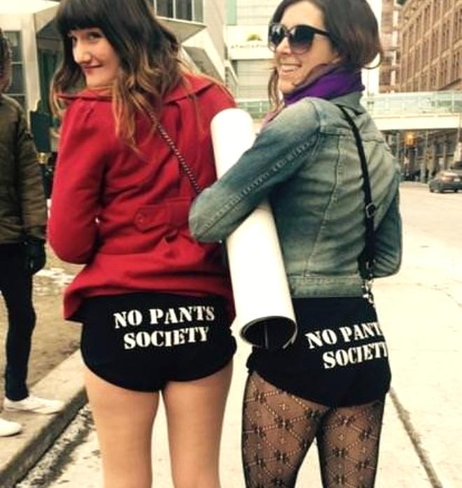 Pantolonsuz Metro Gününden Renkli Görüntüler