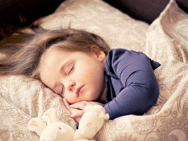 Çocuklarda Uyku Saati Nasıl Olmalıdır?